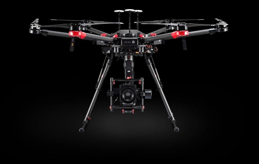 noleggio drone matrice 600 pro per riprese aeree cinematografiche e televisive
